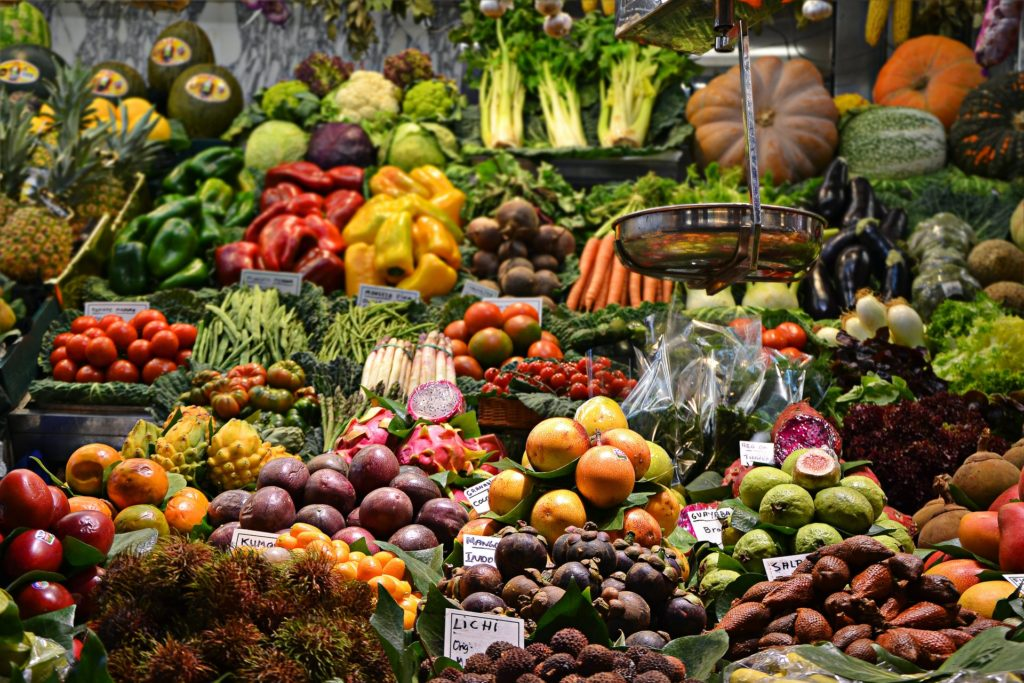 healthy organic fruits and vegetables